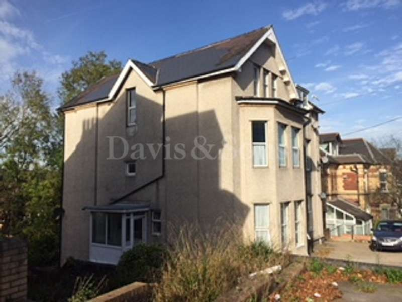 2 Bedrooms Flat for sale in 59 Caerau Road, Off Clytha Park Road, Newport. NP20 4HH