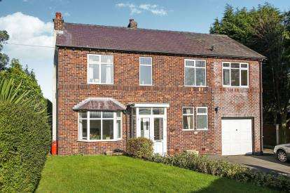 4 Bedrooms Detached House for sale in Henshall Road, Bollington, Macclesfield, Cheshire