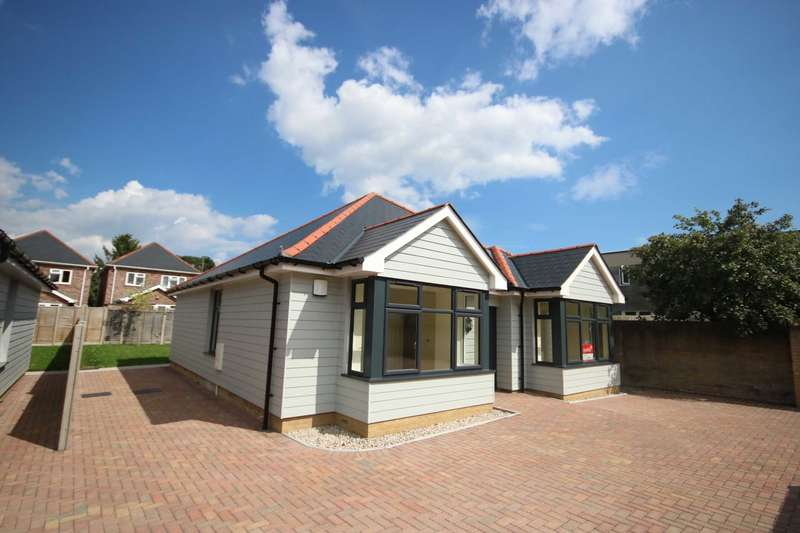 3 Bedrooms Bungalow for sale in BH22 VICTORIA ROAD, Ferndown