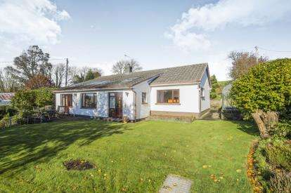 3 Bedrooms Bungalow for sale in Looe, Cornwall, England