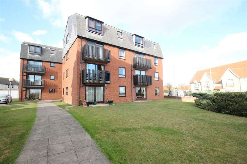 2 Bedrooms Apartment Flat for sale in Ambleside Court, Clacton On Sea