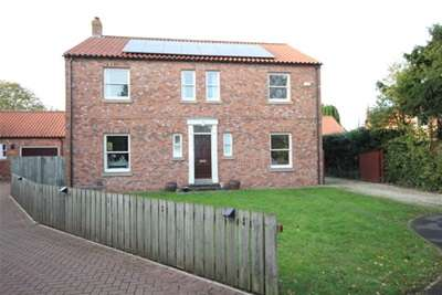 4 Bedrooms Detached House for rent in Enclosure Gardens, Heslington, York