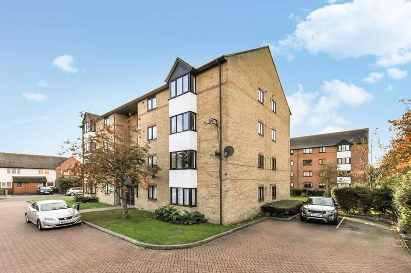 1 Bedroom Flat for sale in Seymour Gardens, London SE4