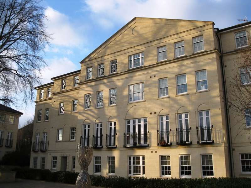 2 Bedrooms Flat for sale in Horstmann Close, Newbridge, Bath