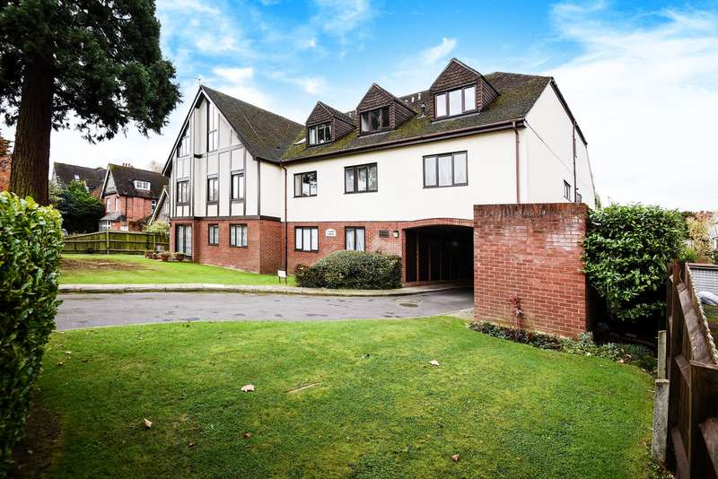 2 Bedrooms Flat for sale in Tudor Lodge, 8 Murray Road, Northwood