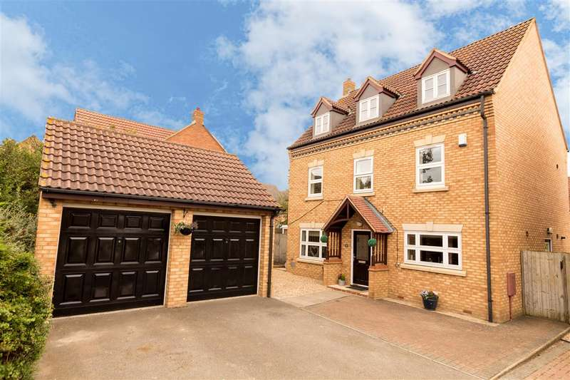 5 Bedrooms Detached House for sale in Abbeydore Grove, Milton Keynes