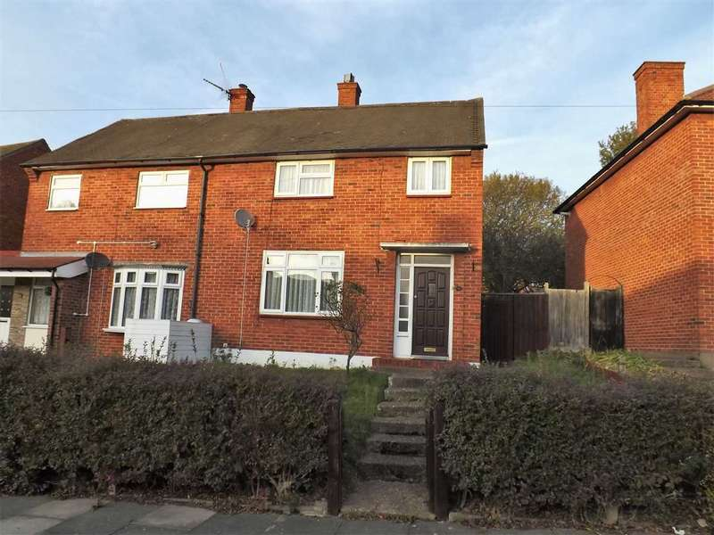 2 Bedrooms Semi Detached House for sale in Stratton Road, Romford