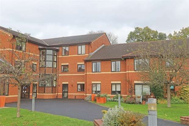 1 Bedroom Flat for sale in Kennet Court, Wokingham, Berkshire