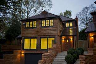 4 Bedrooms Detached House for sale in Roffes Lane, Chaldon, Surrey