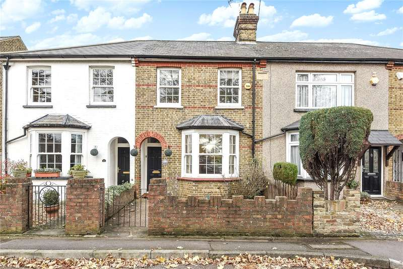 2 Bedrooms Terraced House for sale in West Drayton Road, Hillingdon, Middlesex, UB8