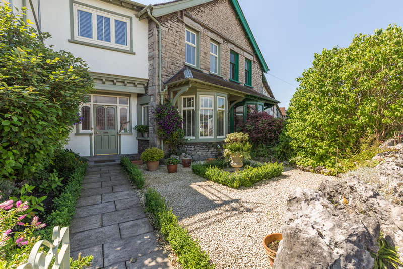 3 Bedrooms Terraced House for sale in 21 Crescent Green, Kendal, Cumbria, LA9 6DR