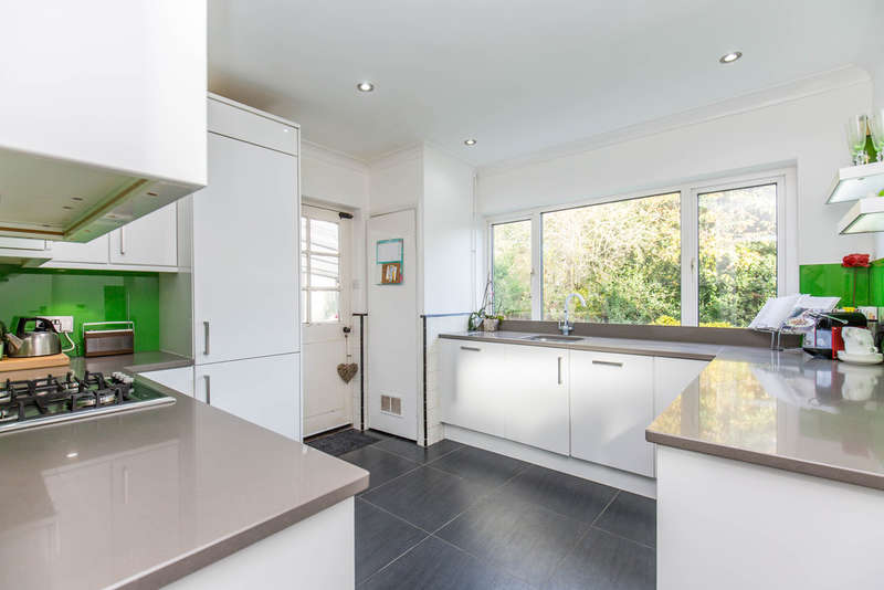 3 Bedrooms Detached House for sale in PURLEY