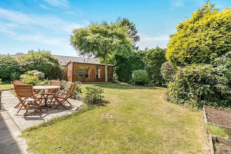 4 Bedrooms Detached House for sale in Gorsewood Road, Hartley, Longfield, DA3