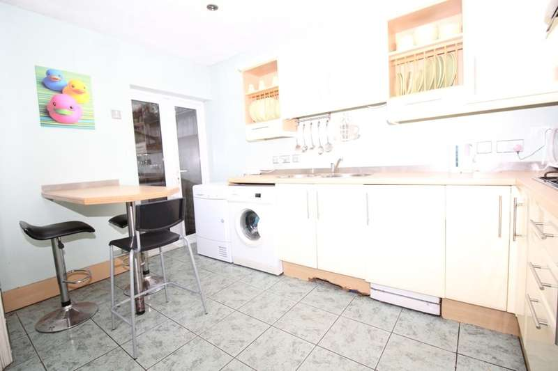 3 Bedrooms Property for sale in Walpole Road, Bromley, BR2