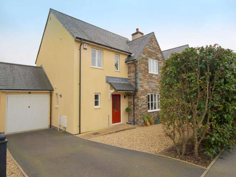4 Bedrooms Detached House for sale in Boconnoc Avenue, Callington, PL17 7TW
