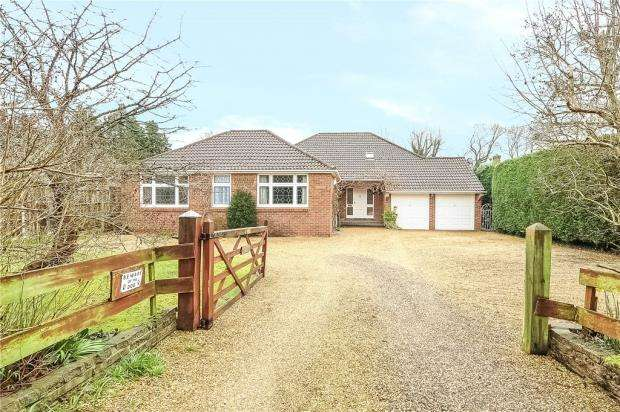 5 Bedrooms Detached Bungalow for sale in Jigs Lane South, Warfield