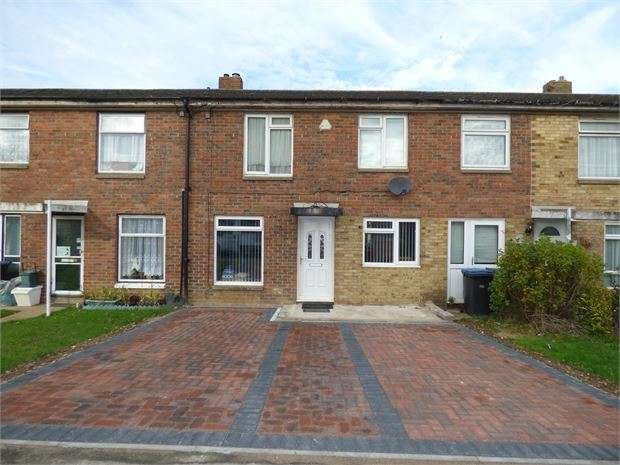 3 Bedrooms Terraced House for sale in Holly Field, Harlow, Harlow, CM19 4LZ