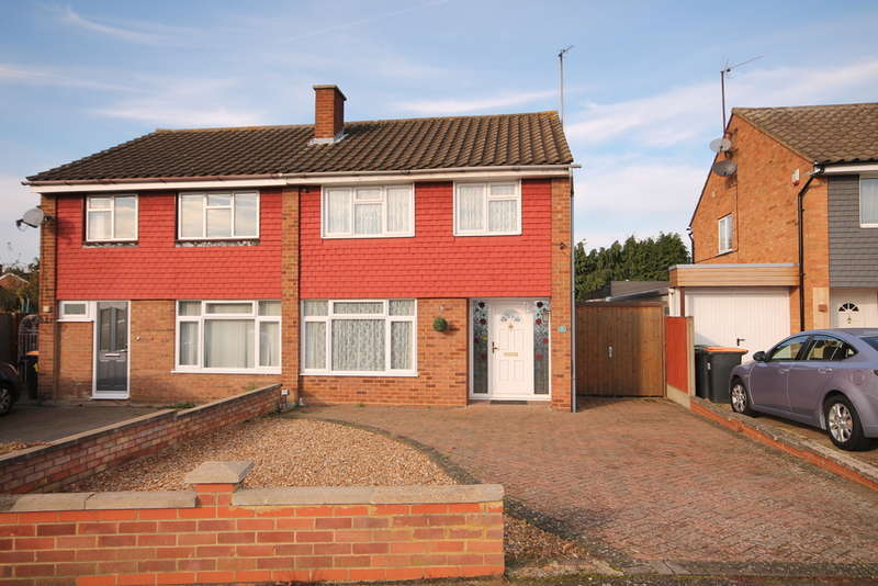 3 Bedrooms Semi Detached House for sale in Cheviot Close, Putnoe, MK41