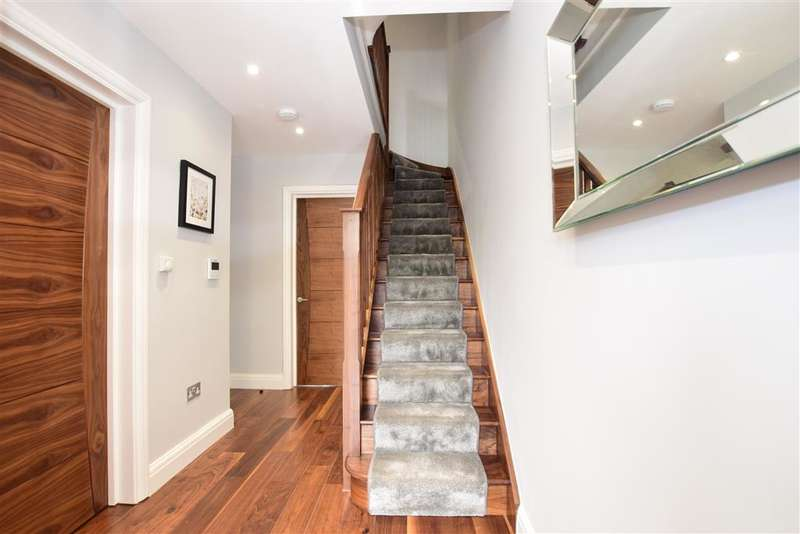 5 Bedrooms End Of Terrace House for sale in Cornwell Gardens, Leyton, London