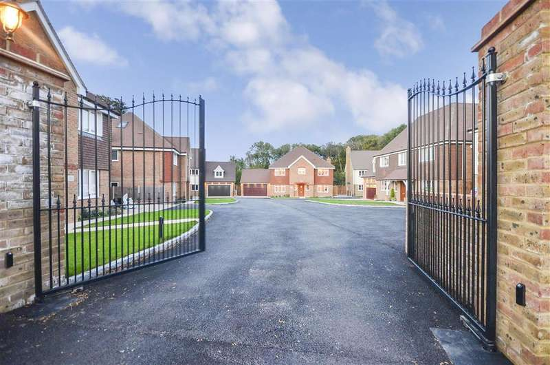 4 Bedrooms Detached House for sale in Sheldon Heights, Gravesend, Kent