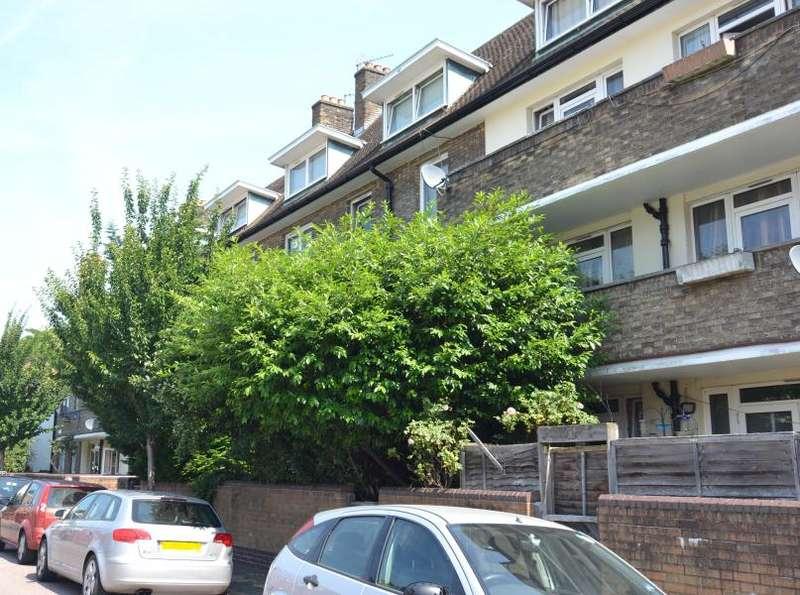 4 Bedrooms Flat for sale in Milner House, Battersea, SW11