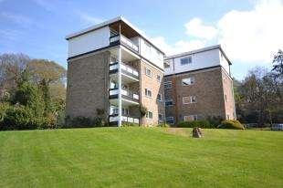 2 Bedrooms Flat for sale in Osmunda Court, Ferndale Close, Tunbridge Wells, Kent