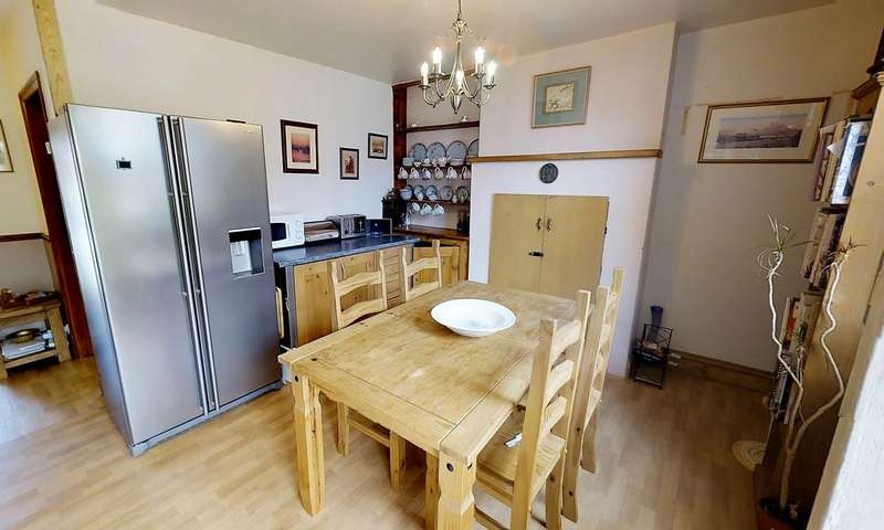 3 Bedrooms End Of Terrace House for sale in Court Road, Swanage, BH19
