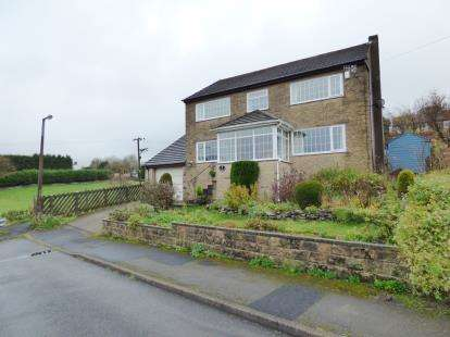 4 Bedrooms Detached House for sale in Glenmoor Road, Buxton, Derbyshire