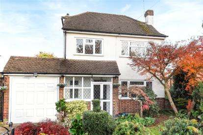 3 Bedrooms Detached House for sale in Hazelmere Way, Bromley