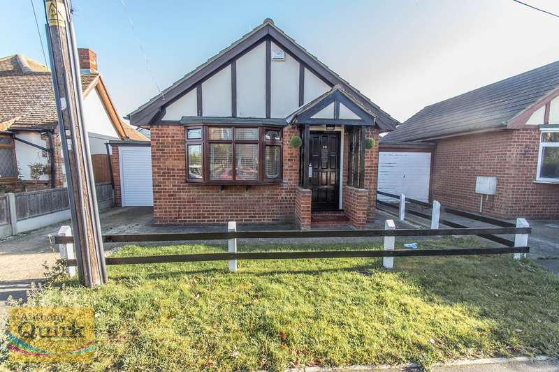 1 Bedroom Detached Bungalow for sale in May Avenue, Canvey Island, SS8