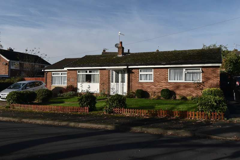 3 Bedrooms Bungalow for sale in Providence Road, Bromsgrove, B61