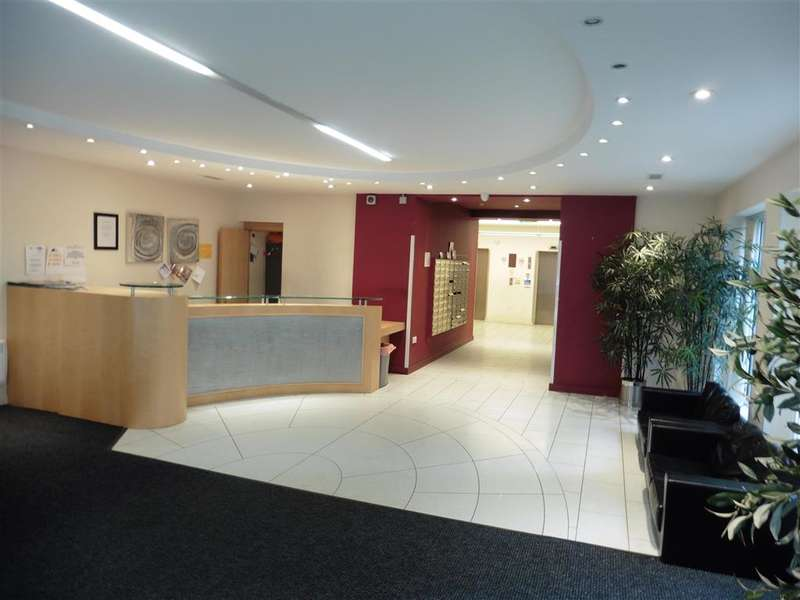 2 Bedrooms Apartment Flat for sale in Centreway Apartments, Axon Place, Ilford, Essex