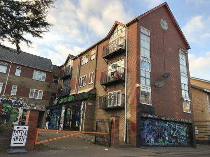 3 Bedrooms Maisonette Flat for sale in Stoneleigh Court, Stoneleigh Road, Tottenham, London
