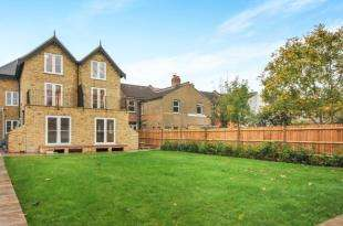 2 Bedrooms Flat for sale in 218 Brighton Road, South Croydon
