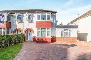 4 Bedrooms Semi Detached House for sale in Grange Way, Rochester, Kent
