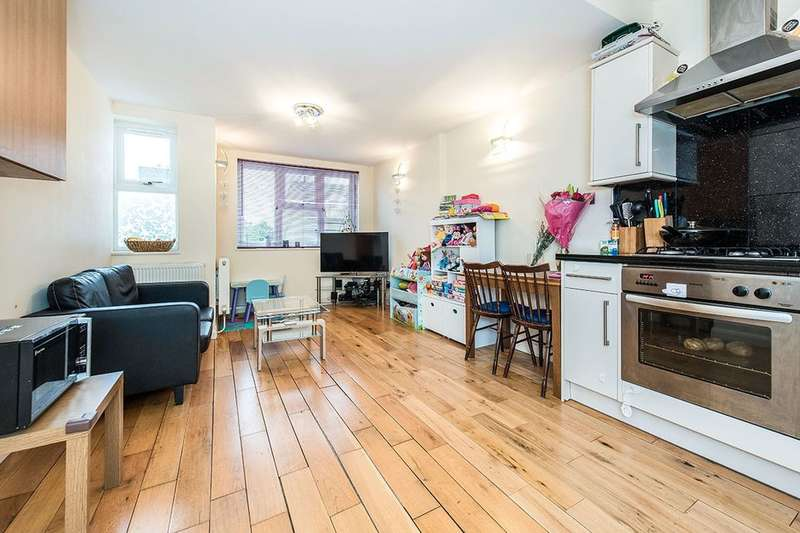 2 Bedrooms Flat for sale in Queens Road, Teddington, TW11