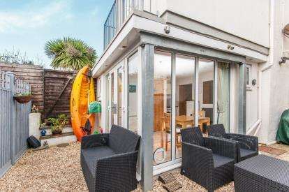 2 Bedrooms Semi Detached House for sale in Seaton, Devon