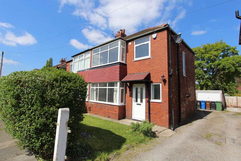 3 Bedrooms Semi Detached House for sale in Beverley Road, Offerton
