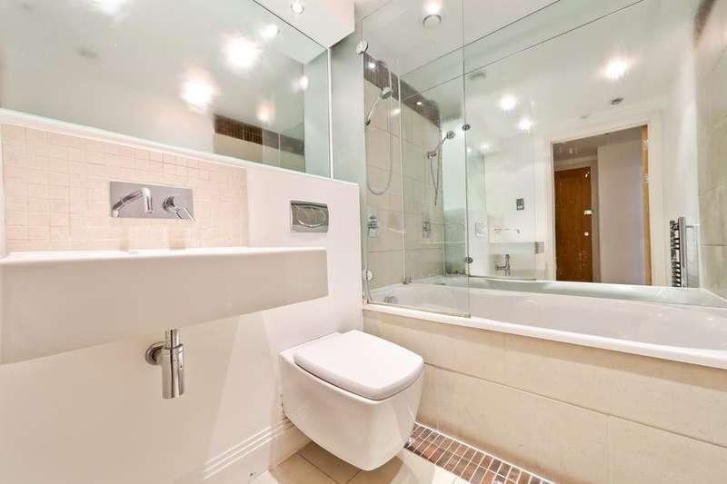 3 Bedrooms Flat for sale in Creek Road, London SE8