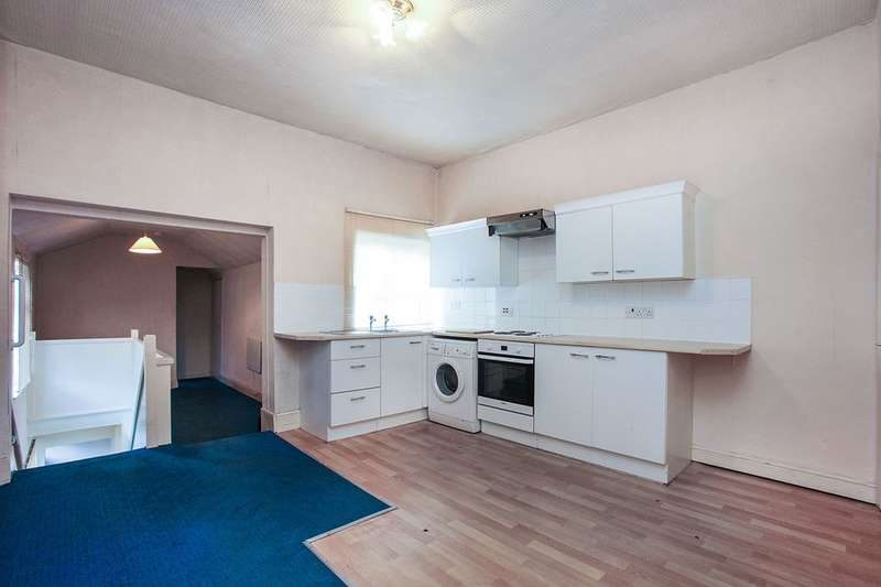 2 Bedrooms Flat for sale in Chester Road, Northwich, CW8