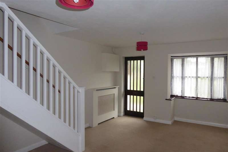 2 Bedrooms Terraced House for sale in Market Place, Aylesham, Canterbury, Kent