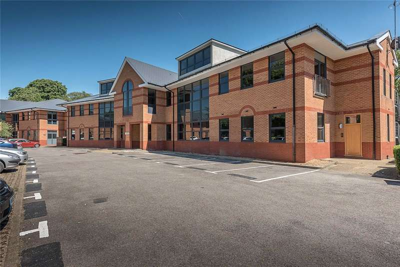 2 Bedrooms Flat for sale in Technology House, Furlong Road, Bourne End, Buckinghamshire, SL8
