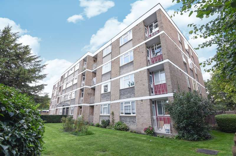 Flat for sale in Avon Court, , Putney, SW15