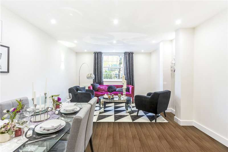 2 Bedrooms Flat for sale in Walsingham House, 1331 High Road, Wheststone, London, N20