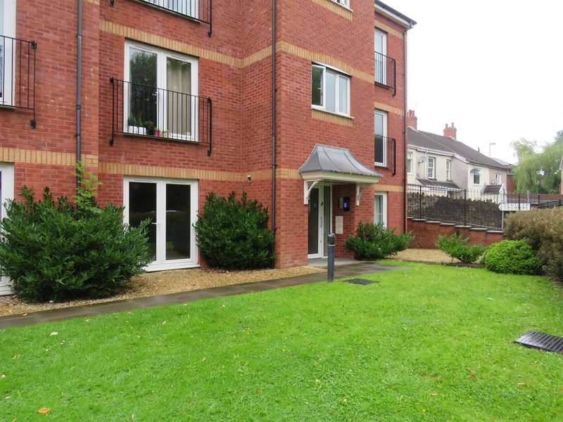 2 Bedrooms Apartment Flat for sale in Hall Street, Blackwood
