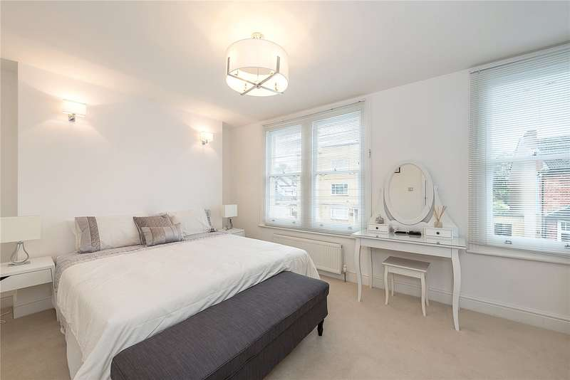 3 Bedrooms Flat for sale in Marlborough Road, Bowes Park, London, N22