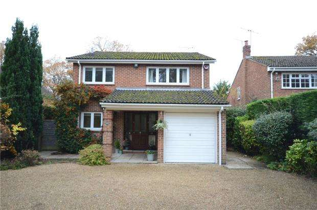 4 Bedrooms Detached House for sale in Nine Mile Ride, Finchampstead, Wokingham