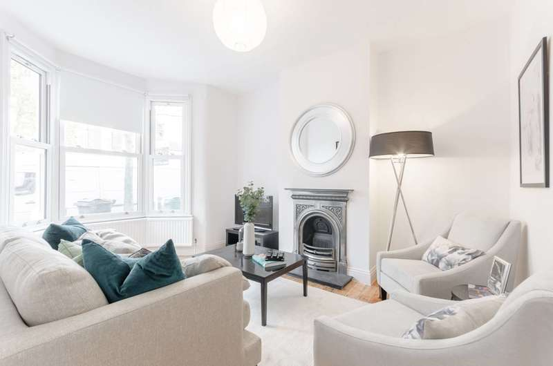 4 Bedrooms House for sale in Millicent Road, Walthamstow, E10