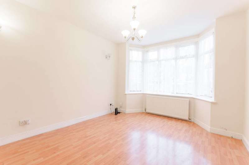 3 Bedrooms House for sale in Pentire Road, Walthamstow, E17