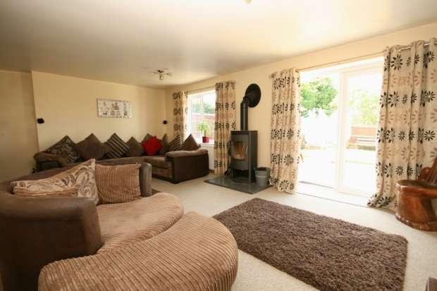 5 Bedrooms Semi Detached House for sale in Poplar Close Garsington